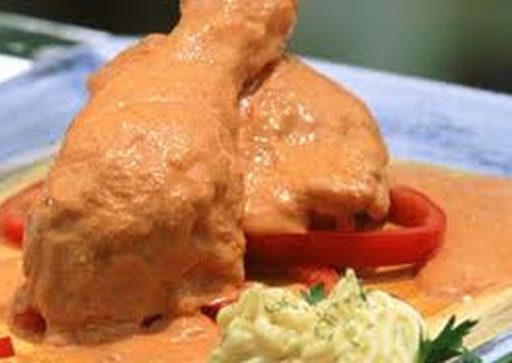 pollo al maní