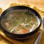 sopa de pollo con almendras