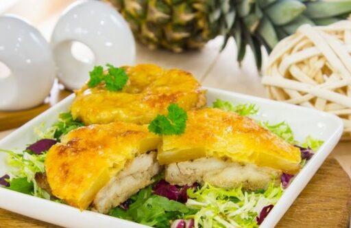 pechuga de pollo al horno con piña y queso